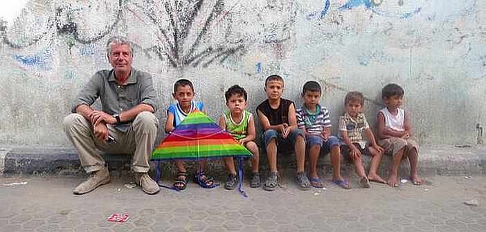 Anthony Bourdain with children in Gaza, 2014