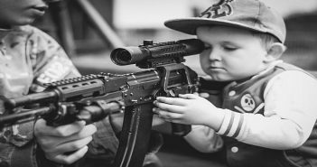 US child with gun