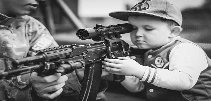 US child with gun