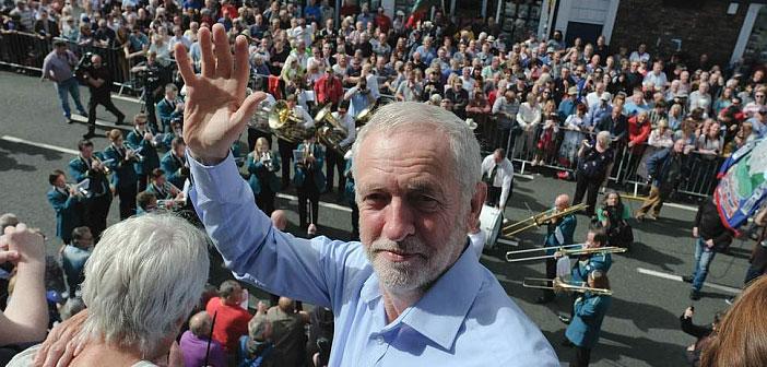 Jeremy Corbyn wave
